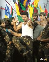Vijay in Thuppakki Movie Photos (4)