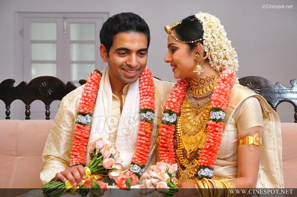 Samvritha Sunil Marriage 8 In Mallu Singh Stills 30 Pictures to pin on ...