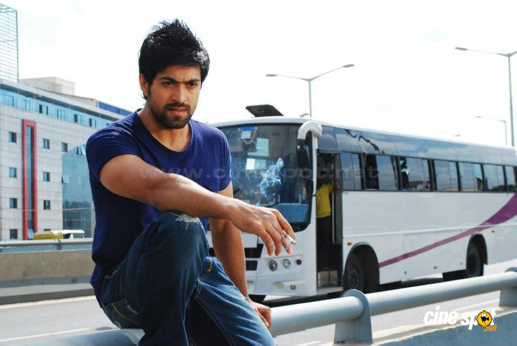Yash Kannada Actor Hd Wallpapers Enam Wallpaper