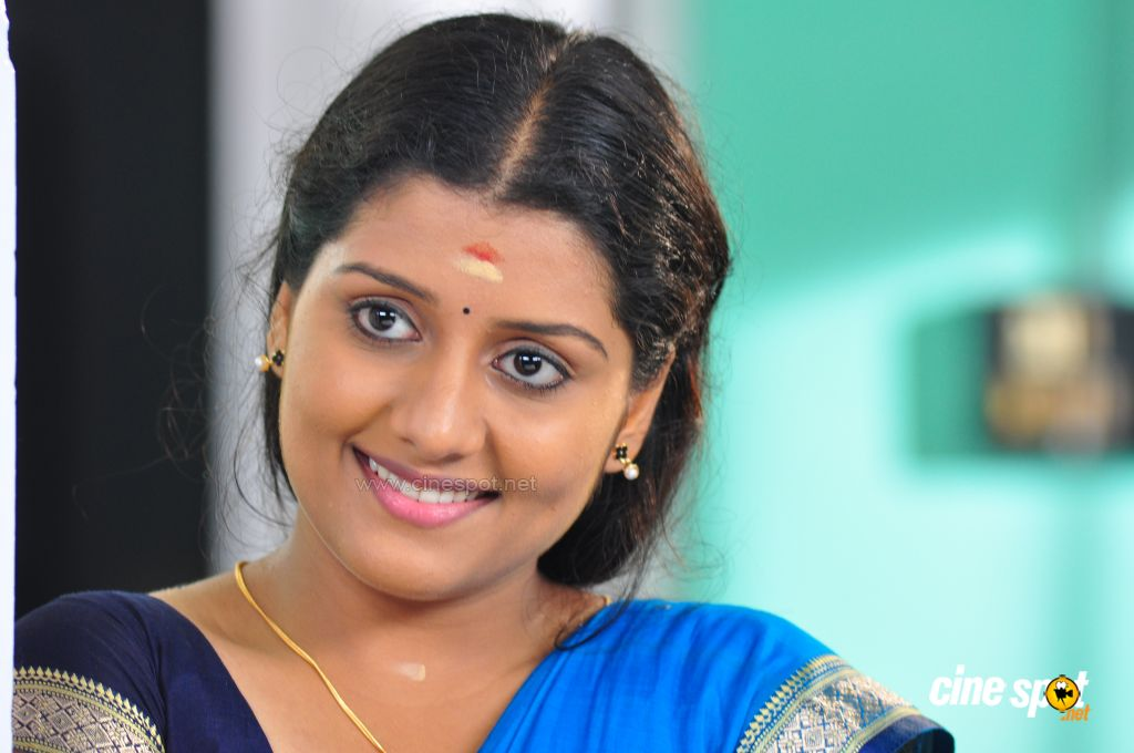 Actress of Kappal Muthalali photos