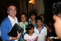 Danny Boyle meets Slumdog kids in Mumbai Event Photos, Stills