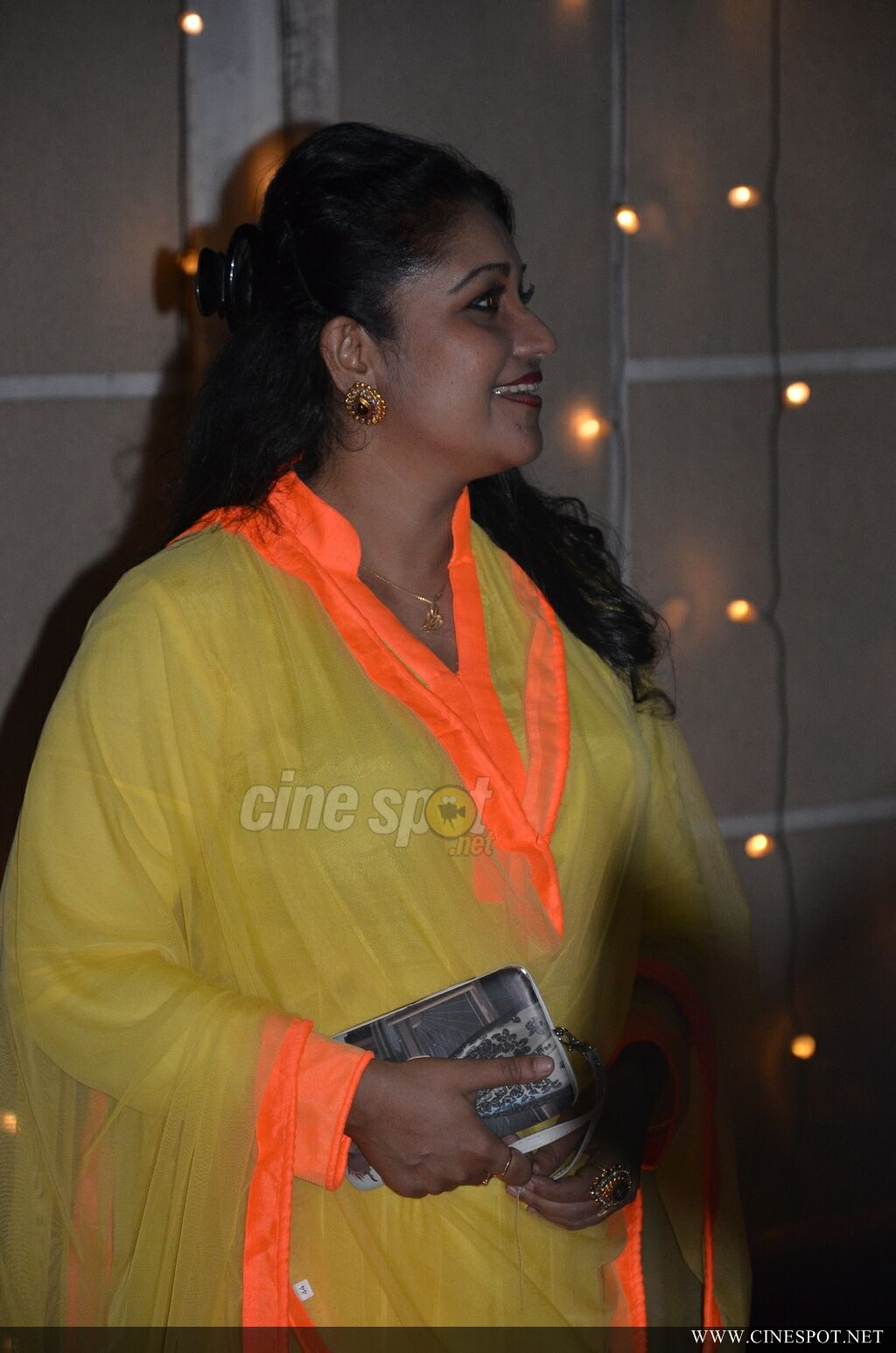 Thesni Khan Latest Stills (6)
