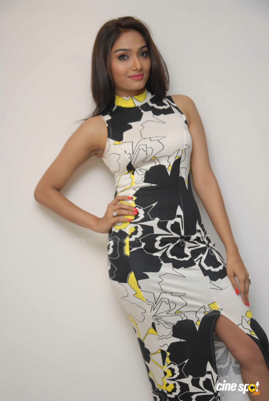 aishwarya devan height