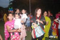 Suzanne Khan, Farah Khan with kids  Event Photos (11)