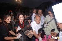 Suzanne Khan, Farah Khan with kids  Event Photos (18)