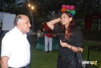 Suzanne Khan, Farah Khan with kids  Event Photos (4)