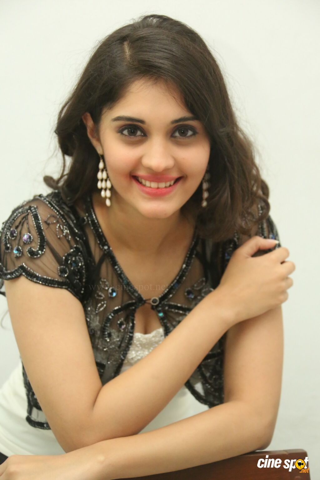 actress surabhi photoshoot (7)