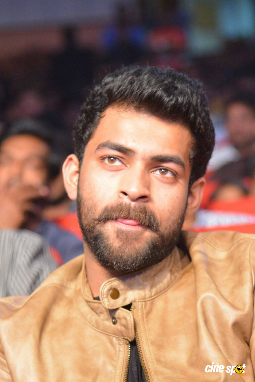 varun tej at loafer audio launch 27