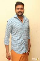 Santhanam at Server Sundaram Launch (2)