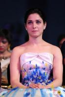 Tamannaah at Filmfare Awards 2016 (5)
