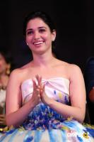 Tamannaah at Filmfare Awards 2016 (6)