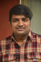 Sathish at Parandhu Sella Vaa Team Meet (2)