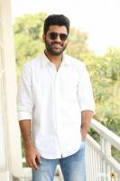 Sharwanand Shatamanam Bhavati Interview (31)