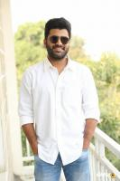Sharwanand Shatamanam Bhavati Interview (33)