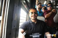 Vivek Oberoi Snapped Travelling By Local Train To Kelve Road Photos