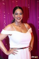Mumaith Khan at Zee Telugu Apsara Awards (5)
