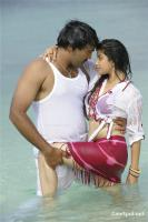 Aa okkadu telgu movie photos, stills, pics