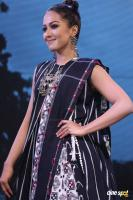 Catherine Tresa at Woven 2017 Fashion Show (7)