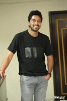 Meda Meeda Abbayi Hero Allari Naresh Interview Photos (34)
