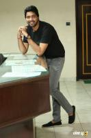 Meda Meeda Abbayi Hero Allari Naresh Interview Photos (39)