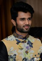 Vijay Devarakonda At KLM Mall Logo Launch (4)