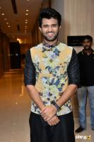 Vijay Devarakonda At KLM Mall Logo Launch (7)