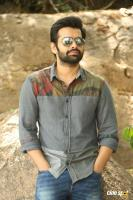 Vunnadhi Okate Zindagi Ram Pothineni Interview Photos (25)