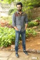 Vunnadhi Okate Zindagi Ram Pothineni Interview Photos (5)