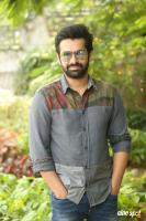 Vunnadhi Okate Zindagi Ram Pothineni Interview Photos (6)