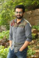 Vunnadhi Okate Zindagi Ram Pothineni Interview Photos (8)