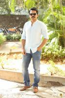 Karthi Khakee Interview Photos (30)