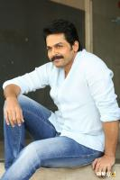 Karthi Khakee Interview Photos (43)