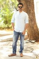 Karthi Khakee Interview Photos (6)