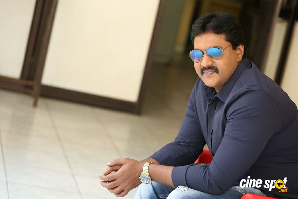 Hero Sunil Latest Interview Photos (14)