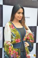 Actress Nivetha Pethuraj Photos (12)