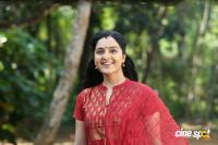 Manju Warrier Stills in Mohanlal Movie (5)