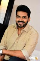 Karthi at Kadaikutty Singam Kerala Promotion (5)