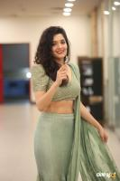 Actress Ritika Singh photoshoot (8)
