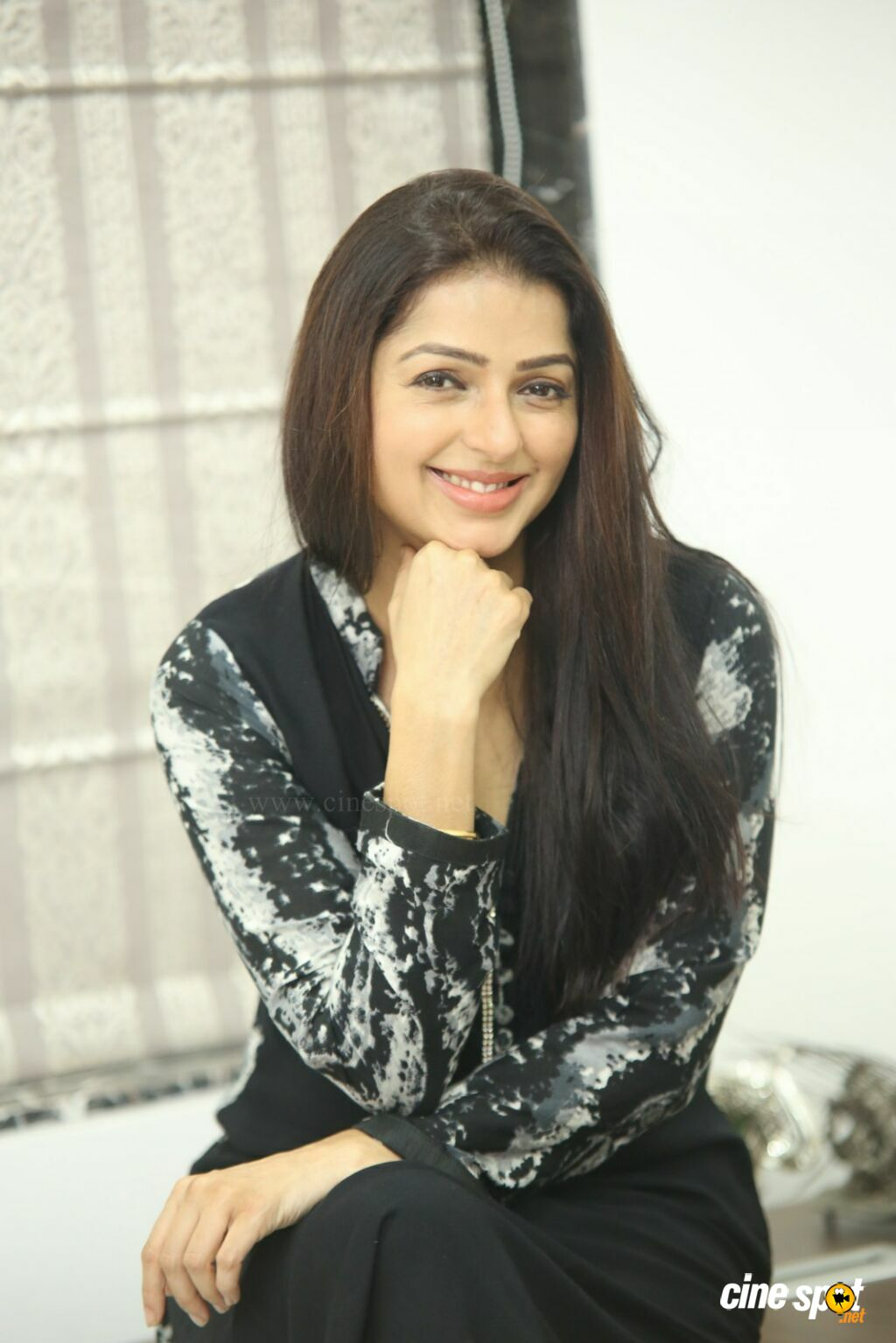 U Turn Movie Actress Bhumika Chawla Interview Photos (40)