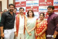 Pranitha Inaugurates Videos Silks Showroom (10)