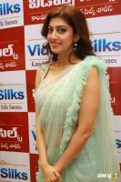 Pranitha Inaugurates Videos Silks Showroom (12)
