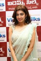 Pranitha Inaugurates Videos Silks Showroom (19)