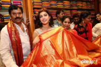 Pranitha Inaugurates Videos Silks Showroom (20)