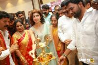Pranitha Inaugurates Videos Silks Showroom (5)