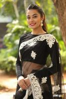 Stefi Patel at Ninnu Talachi First Look Launch (26)