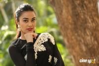 Stefi Patel at Ninnu Talachi First Look Launch (30)