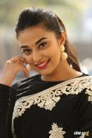 Stefi Patel at Ninnu Talachi First Look Launch (40)