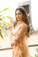 Nidhhi Agerwal Latest Gallery (12)