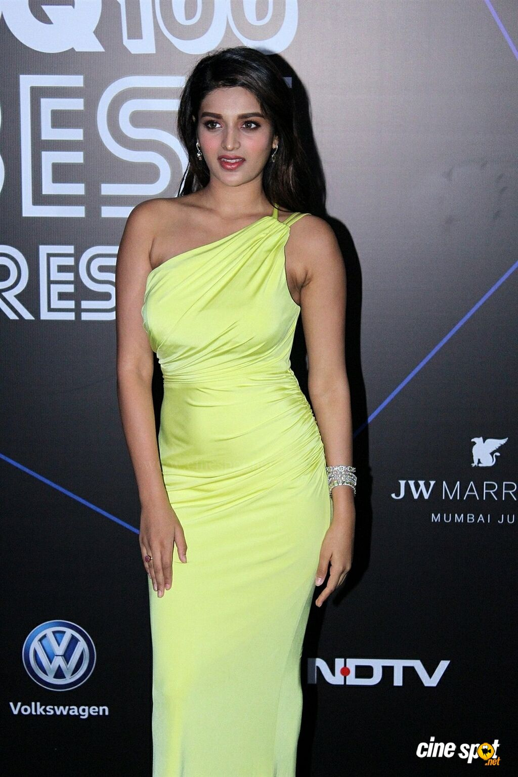 Nidhhi Agerwal at GQ Best Dressed Awards 2019 Red Carpet (4)