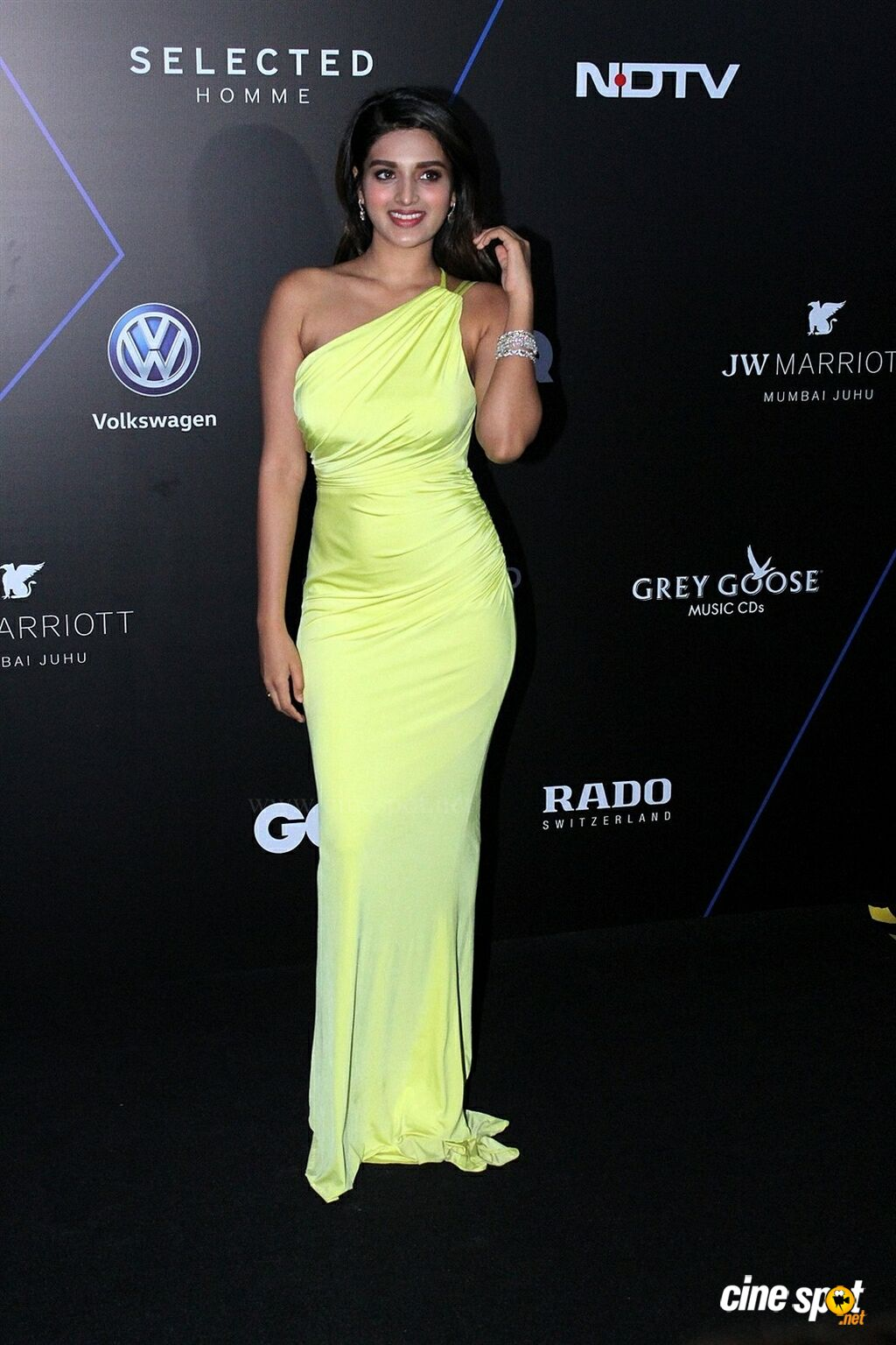 Nidhhi Agerwal at GQ Best Dressed Awards 2019 Red Carpet (7)